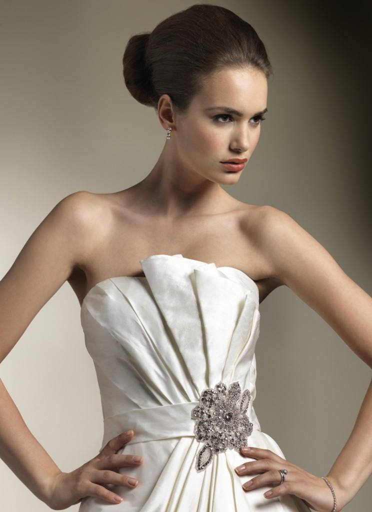 brosh_dlya_svadebnogo_platia